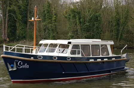 Sula, boat hire in Windsor